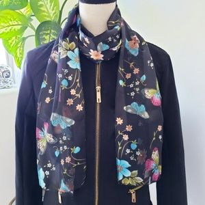 🦋 Butterfly and Floral Pattern Scarf